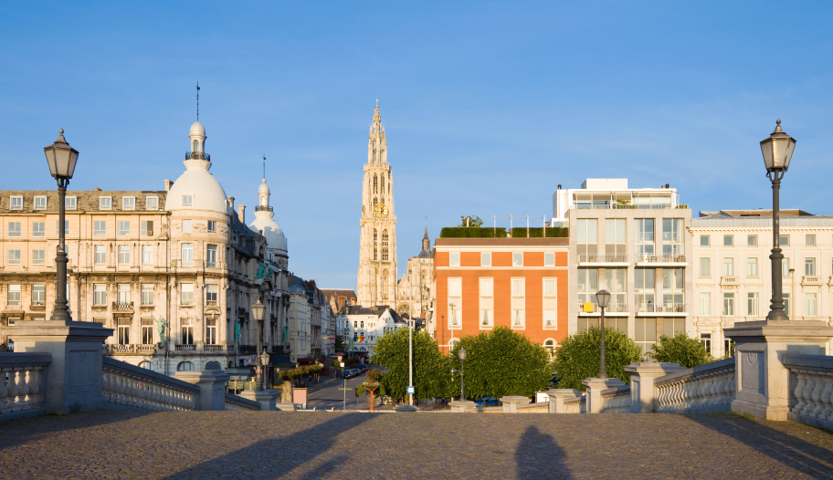 Explore all Belgium has to offer with a quick and easy car rental from Sixt.