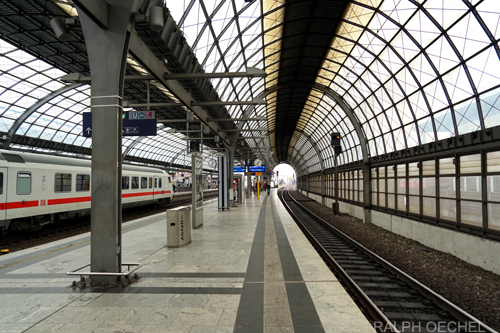 car rental in berlin train station spandau sixt rent a car. Black Bedroom Furniture Sets. Home Design Ideas