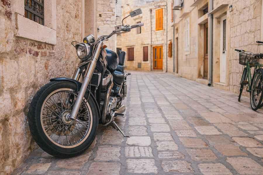 Moto dans les rues de Croatie