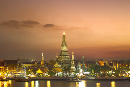 Bangkok Wat Arun at night