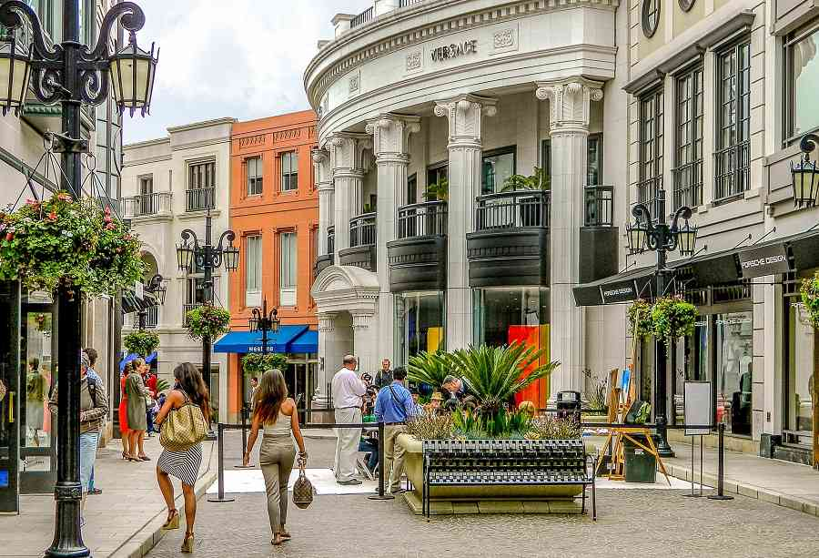 Shop Rodeo Drive with your rental car in Beverly Hills