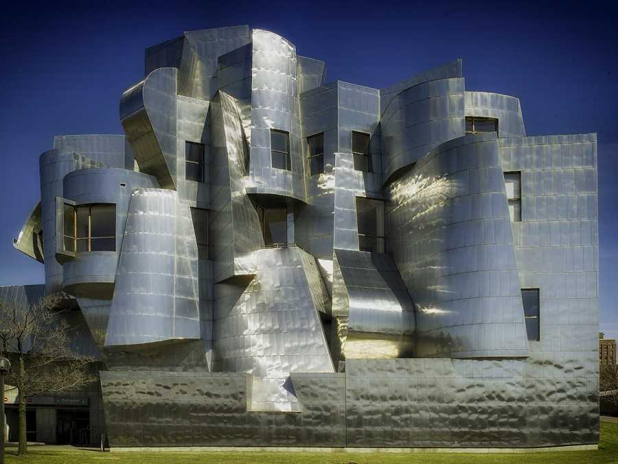 Frank Gehry Weisman Art Museum in Minneapolis