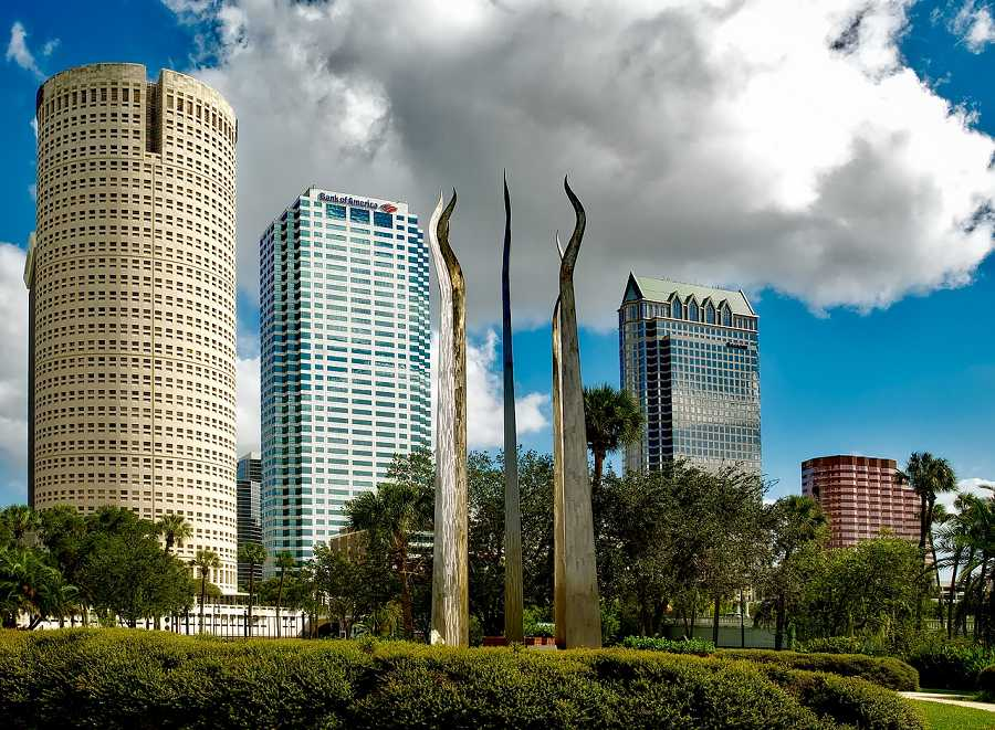 City view with sculptures of Tampa, Florida