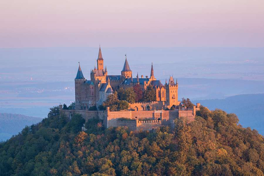 See Germany's castles with a road trip on the Romantic Road with your Sixt car rental.